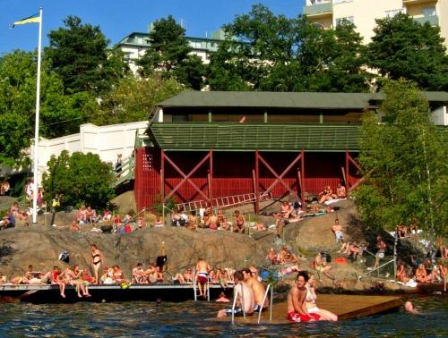 Sunbathers along Kungsholmen.